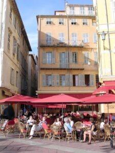 Nizza Altstadt. Urlaub an der italienischen Riviera in Ligurien