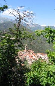 Castel Vittorio. Dorf im Hinterland der italienischen Riviera