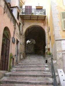 Roquebrune.Das mittelalterliche Dorf. Urlaub an der italienischen Riviera in Ligurien.