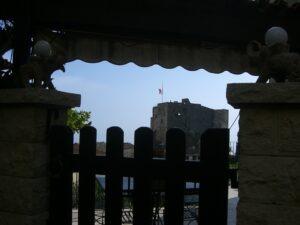 Roquebrune. Blick zur Burg. Urlaub an der italienischen Riviera in Ligurien