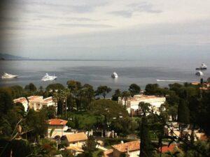 Aussicht von Villa Ephrussi de Rothschild in Saint Jean Cap Verrat an der Côte d'Azur