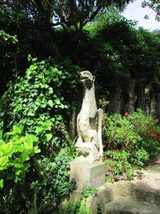 Im Steingarten der Villa de Rothschild. Cap Ferrat Côte d'Azur.