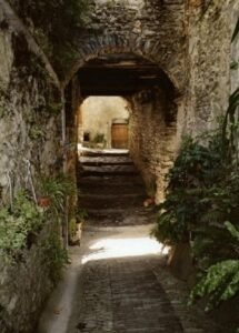 Triora. Gasse. Im Hinterland von San Remo an der italienischen Riviera