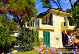 Villa in Bordighera. Liguria Homes