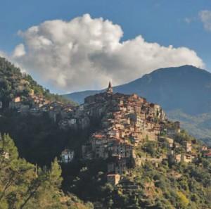 Apricale Dorf im Hinterland der italienischen Riviera