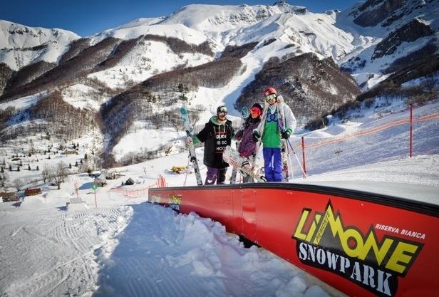 Limone. Skigebiet in den Seealpen. Snowpark.