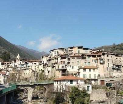Rochetta Nervina im Hinterland der italienischen Riviera