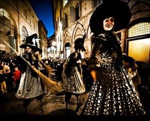 Hexenparade der Gruppe Nouvelle Lune
