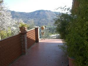 Perinaldo im Hinterland der italienischen Riviera. Das Ferienhaus von Max