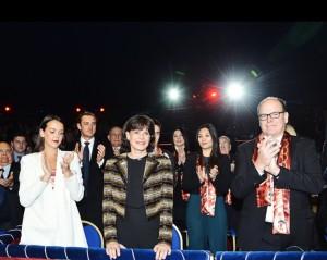 S.A.S. Prinzessin Stephanie mit Fuerst Albert II beim Zirkusfestival von Monte Carlo