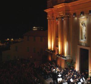 Musikfestival in der Altstadt von Menton