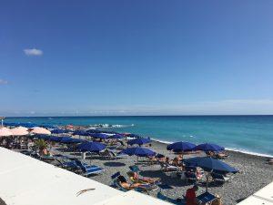 am Strand von Bordighera