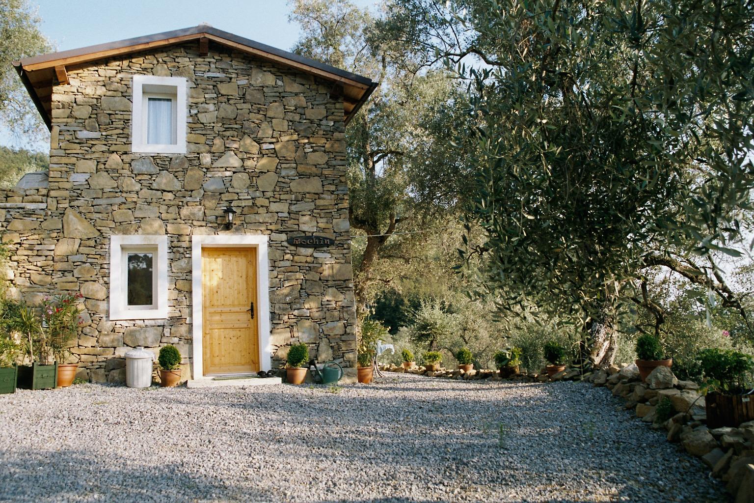 Casa Rochin mit Holzschild